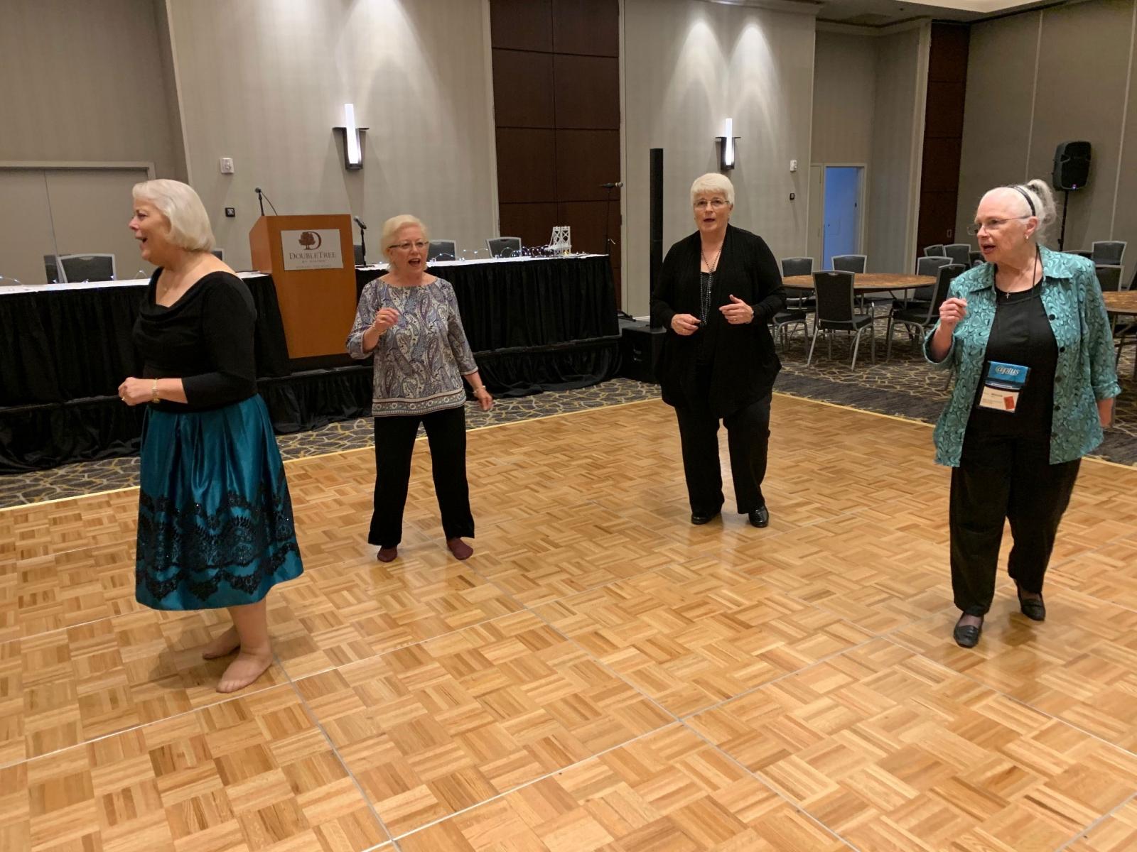Dancing-at-Banquet