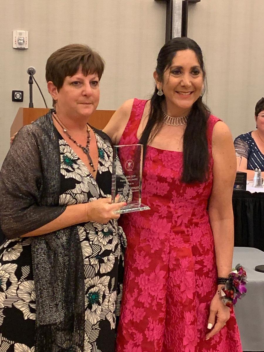 Presidents-Award-Winner-Barbara-Barregar-and-LSI-President-Heather-Edwards