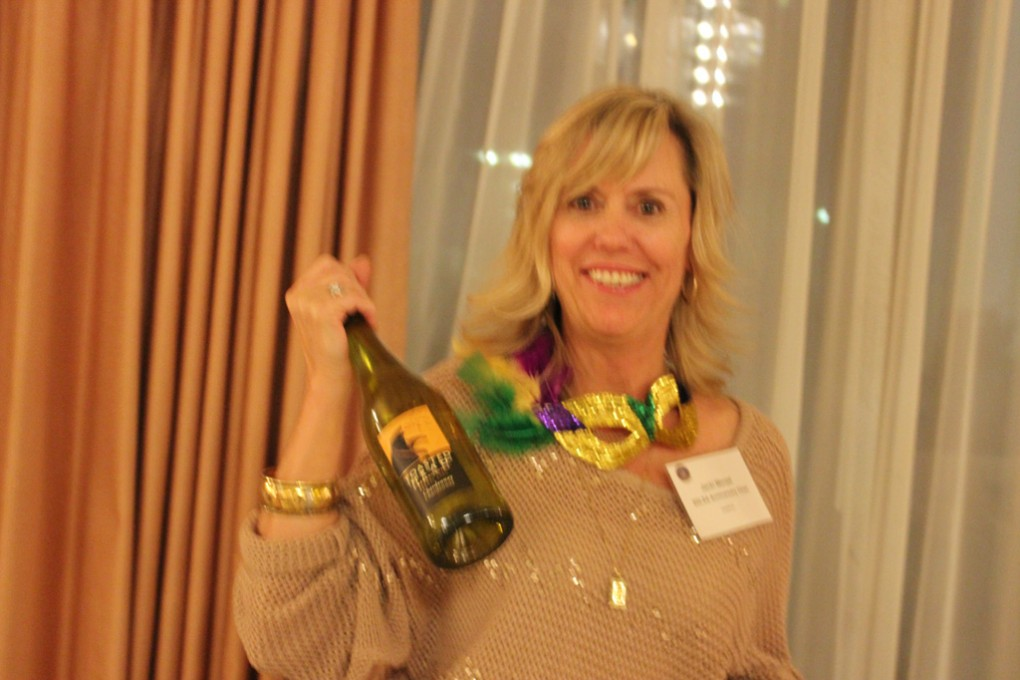 Jackie-Menzel,-winner-of-bottle-of-wine